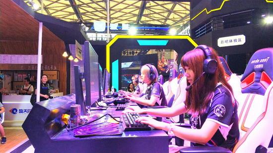 传奇世界sf私服发布网盛天网络FUN肆玩吧五宗最 Chinajoy史上最燃!